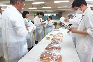学校給食用パン品質審査会・抜取調査、めん品質審査会